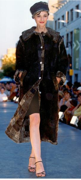 Manteau brun, Véronique d'Aragon