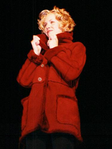 Manteau rouge, Véronique d'Aragon