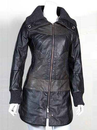 Manteau Cokluch, fait de cuir recupéré
