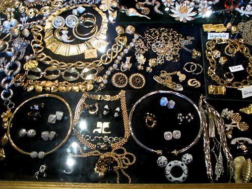 Bijoux au Chat Perlé